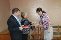 Депутаты получили удостоверения